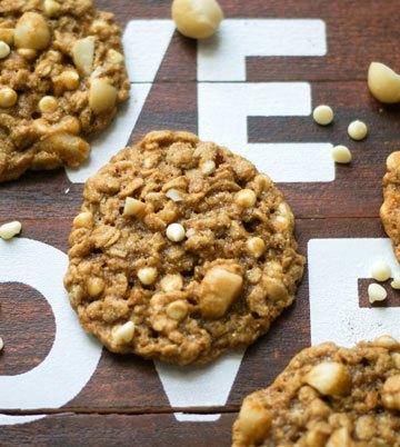 Oatmeal_White Chocolate_Macadamia_Cookies