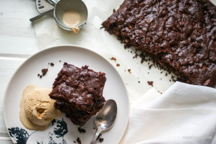 Cherry-cinnamon-pecan-brownies