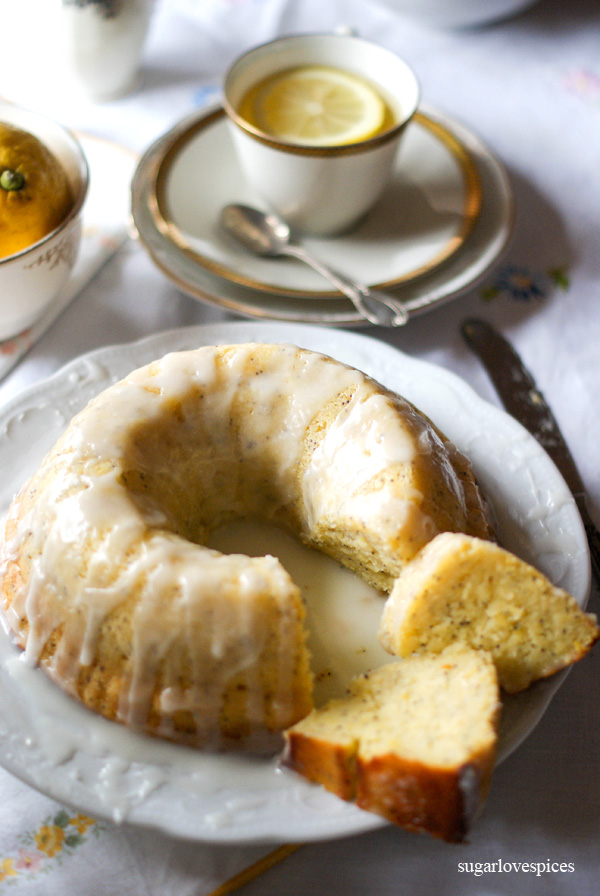 Yogurt, Lemon and Poppy Seed Bundt Cake