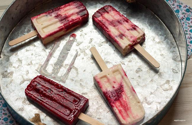 Berry Honey-Vanilla Frozen Yogurt Popsicles