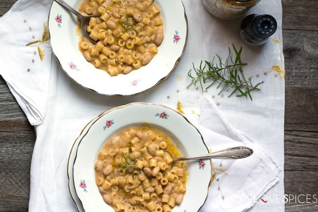 Auntie Rosaria's Pasta e Fagioli (La Pasta e Fagioli di zia Rosaria)