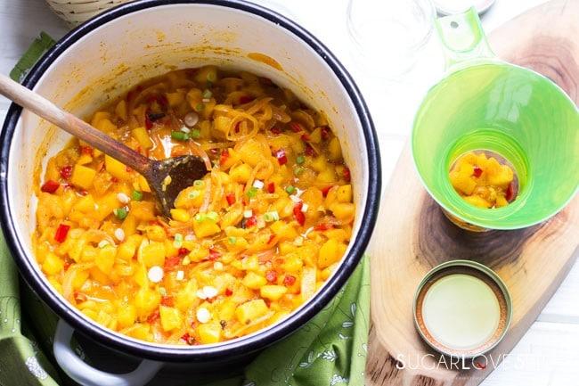 Apple Mango Chutney