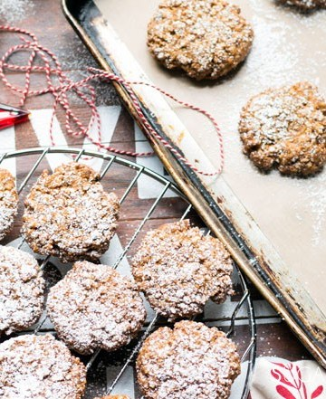 Soft Walnut Cookies (Biscotti Morbidi alle Noci)