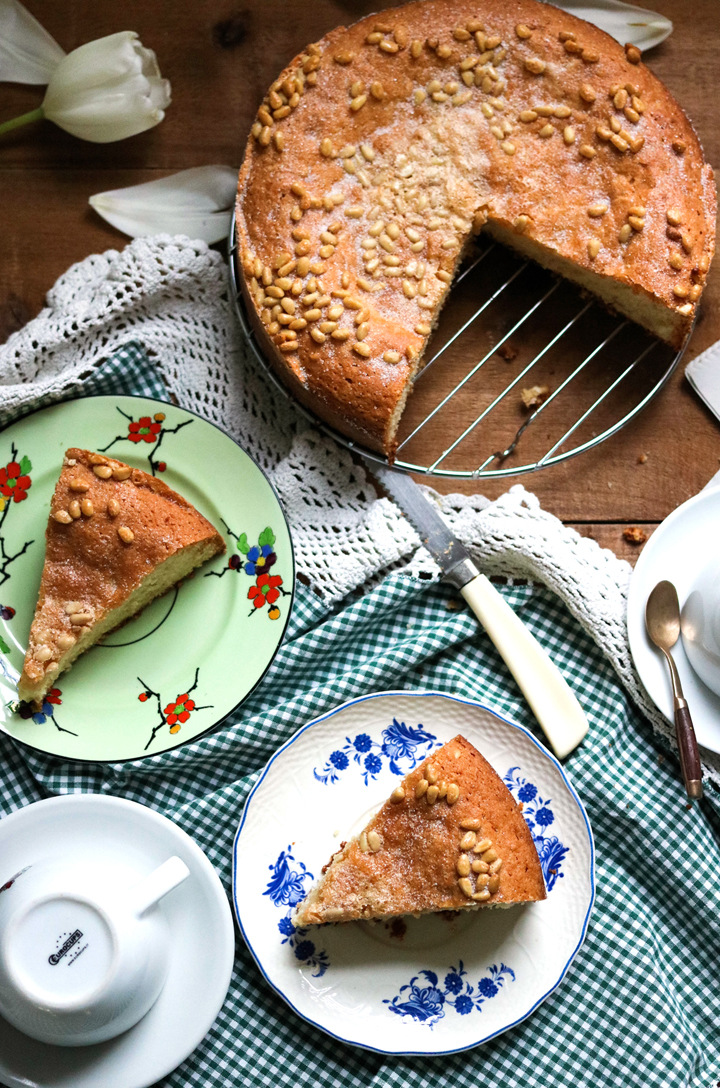 Pinolata, Italian Pine Nut Cake-table