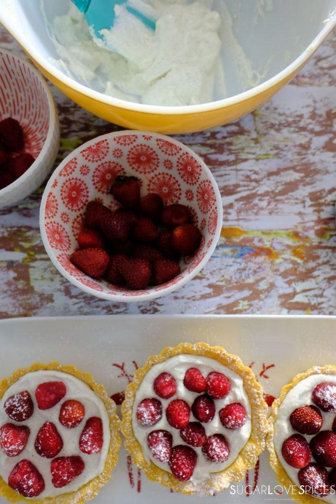 crostatine with ricotta, yogurt and berries