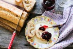 Blackberry Peach Ginger Jam-onbread
