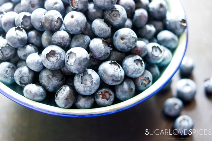 Mustikkapiirakka (Finnish Blueberry Pie)-blueberries in a bowl