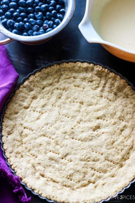 Mustikkapiirakka (Finnish Blueberry Pie)-cooked crust