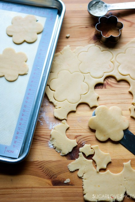 Ciambelline Sarde (Sardinian Sandwich Cookies)-cutting cookie shapes