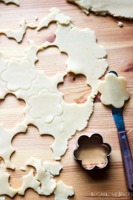 Ciambelline Sarde (Sardinian Sandwich Cookies)-cutting cookies