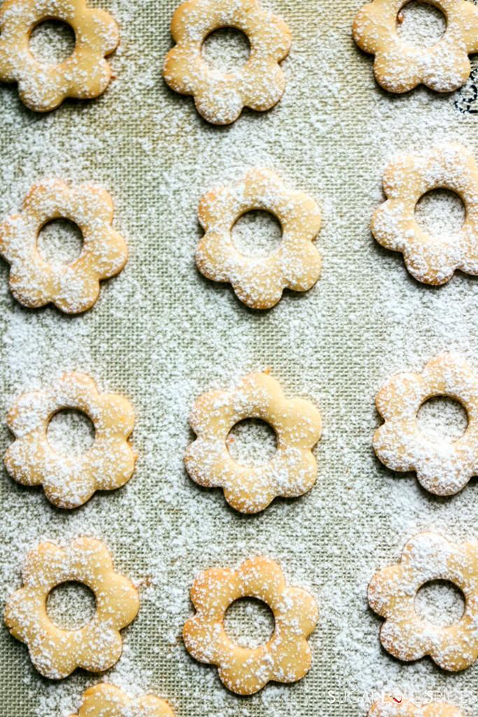 Ciambelline Sarde (Sardinian Sandwich Cookies)-top cookies with icing sugar