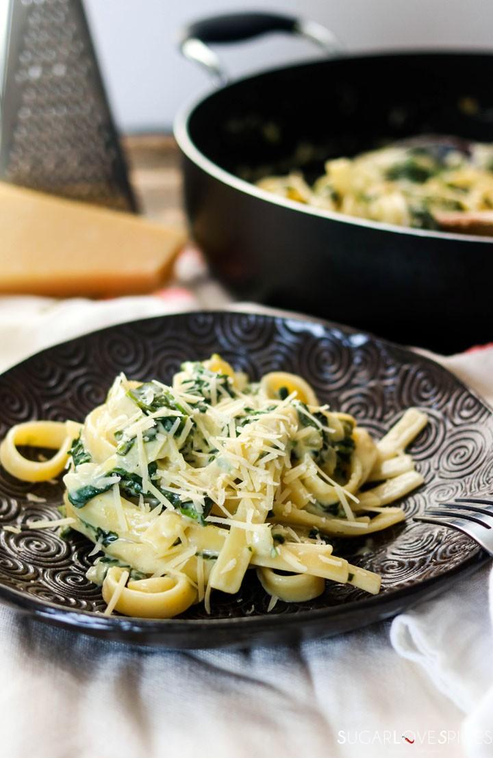 fettuccine alla greca-plate and pan