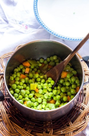 Rice with peas and carrots-adding peas to carrots