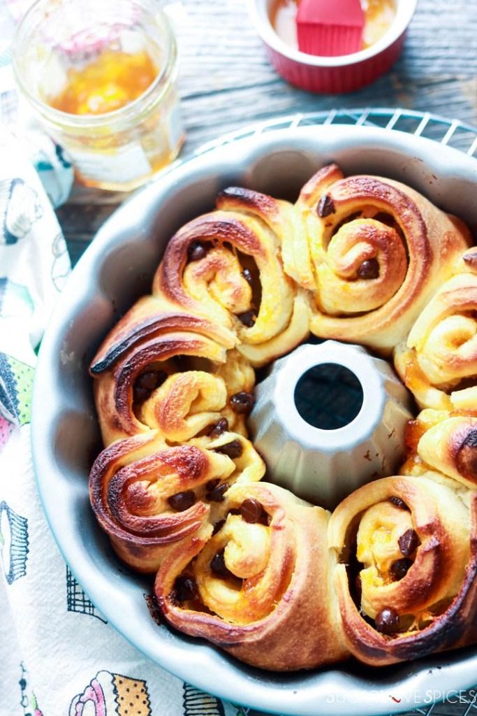 Pull-apart Brioche Bread Wreath-in the pan