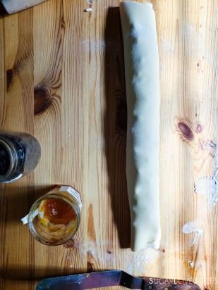 Pull-apart Brioche Bread Wreath-the log