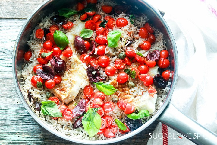 One pan rice and fish-in the pan