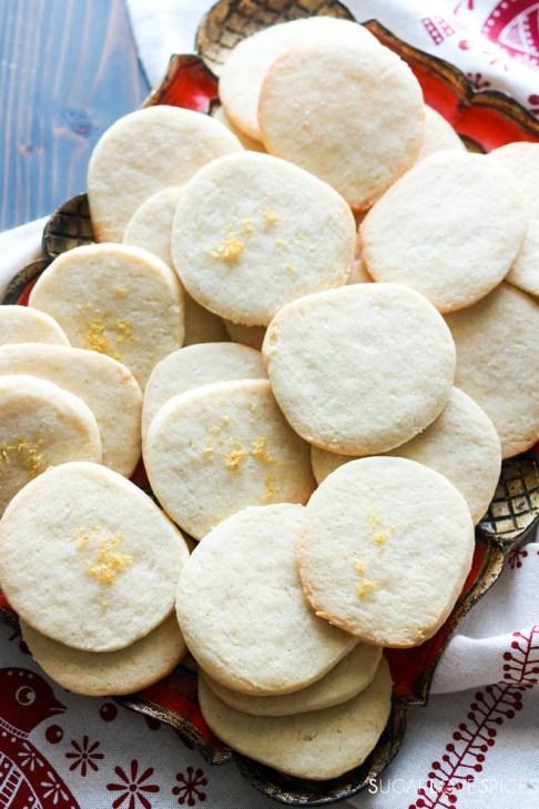 Slice and bake lemon crips-cookies on a tray