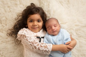 sibling photo newborn session dudley photographer