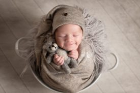 newborn photography dudley west midlands baby photography wrapped