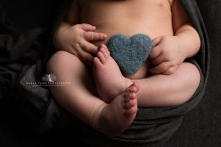 newborn photography dudley west midlands baby photography baby feet details