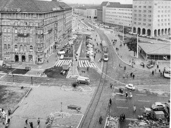 Blick vom Königstorturm auf die Kreuzung, um 1965