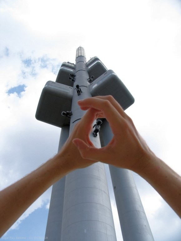 Prag - Der Fernsehturm mit seltsamen Gestalten
