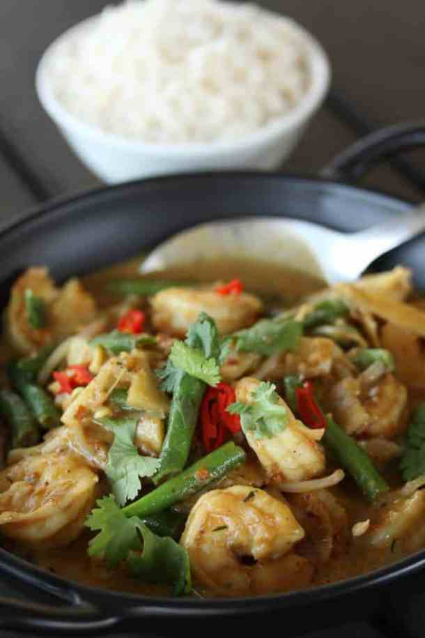 Thai Panang Curry is a delicious rich, sweet Thai curry. Combining the flavours of peanuts, coconut milk and spices with prawns / shrimp,