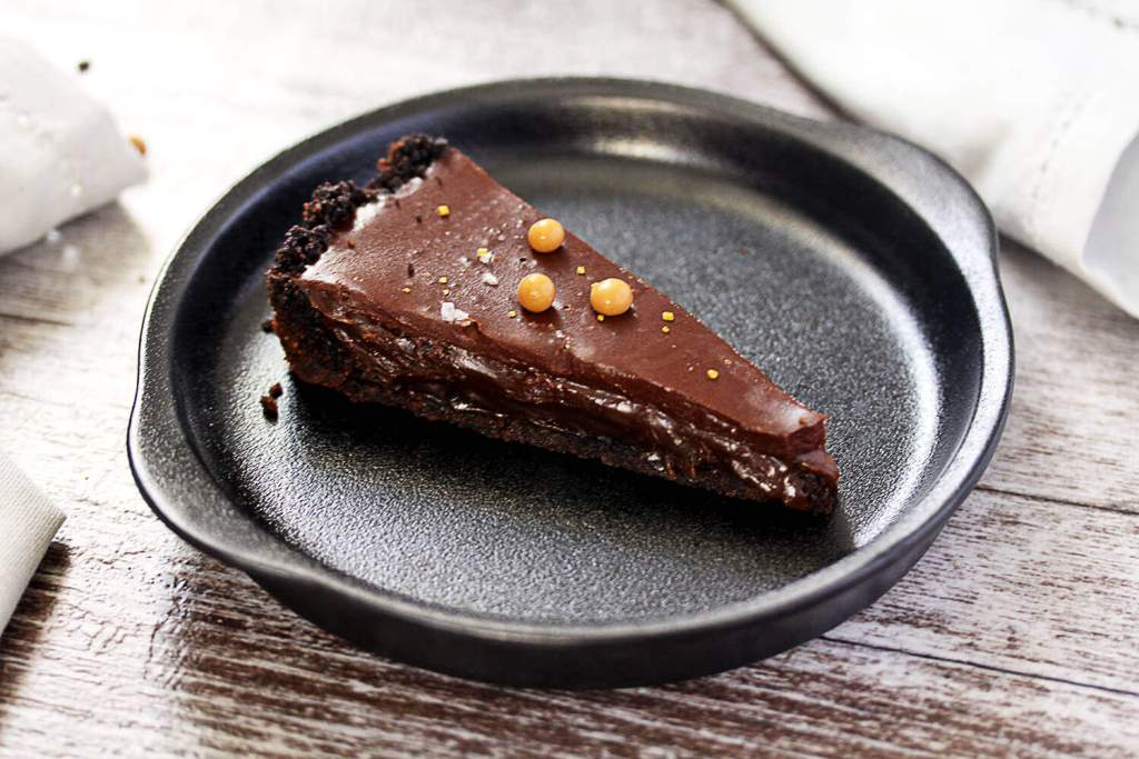 No-Bake Salted Butterscotch Chocolate Tart by Sugar Salt Magic