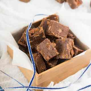 This Milo Tim Tam Chocolate Fudge recipe is the easiest chocolate fudge recipe filled with tim tams and milo. Aussie food at it's best.