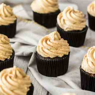 Chocolate Pumpkin Cupcakes with Pumpkin Spice Frosting