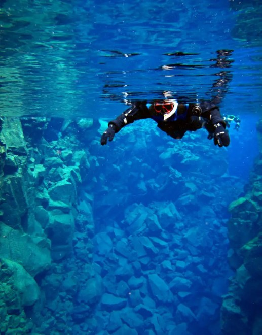 Þingvellir 4 National Park dive.is snorkeling silfa diving snorkelling sunrise golden cirlce solo female travel icelend winter roadtrip