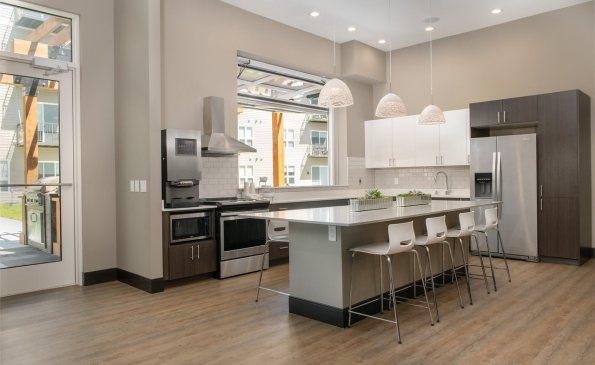 corners Lounge Kitchen