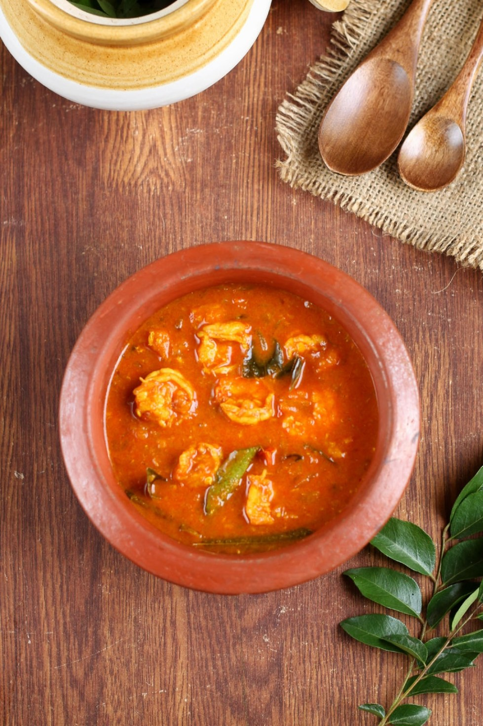 Malabar prawn curry or chemmeen mulakitathu