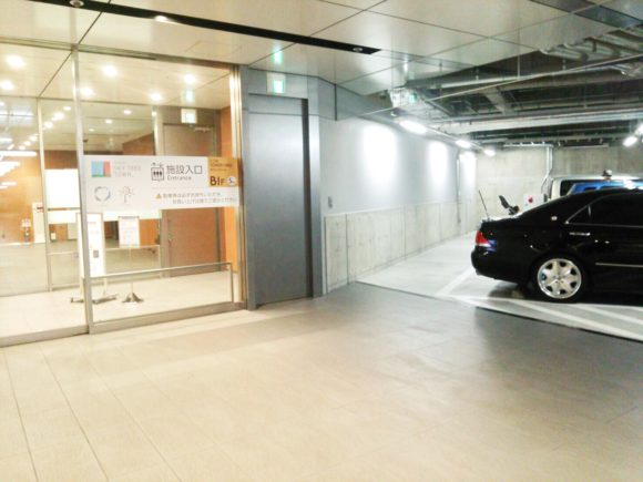 入り口近くの駐車スペース