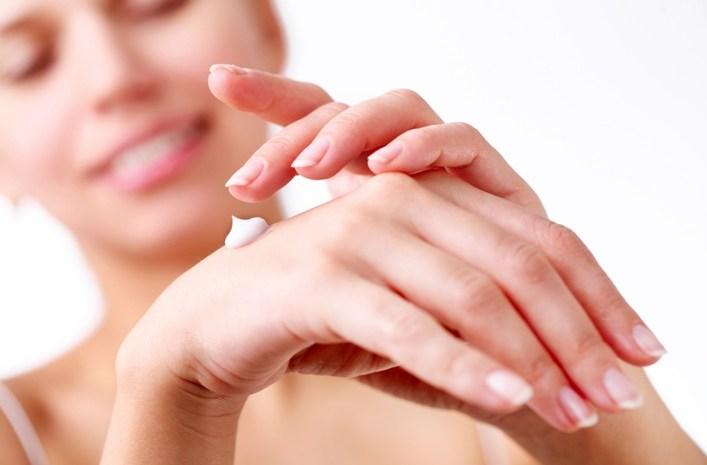 dbanie o dłonie
