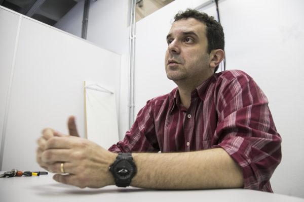 """""""A água mineral é retirada do subsolo e as águas subterrâneas brasileiras estão extremamente contaminadas"""". (Foto: Maia Rubim/Sul21)"""