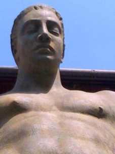 Igor Mitoraj Ikaro alato 2000 bronzo Castel Vecchio Verona 2013