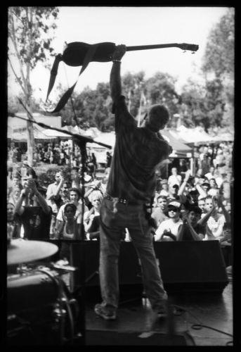 Mike Watt live foto di http://peakness.com/