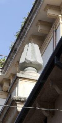 Verona statua pandoro Melegatti da Apriti Verona