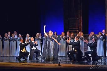 """Chiara Taigi al Gala Lirico """"Opera, Bravi!"""" al Teatro dell'Opera e del Balletto della Repubblica di Udmurtia """"P.I. Tchaikovsky"""" a Izhevsk in Russia."""