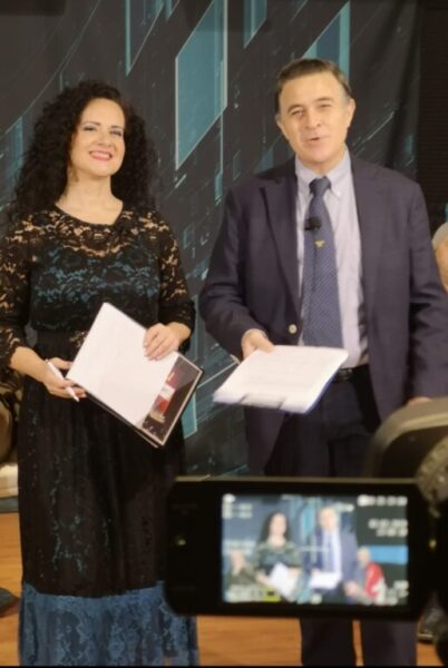 Olga De Maio soprano e Luca Lupoli tenore, ideatori e conduttori di Noi Per Napoli Show