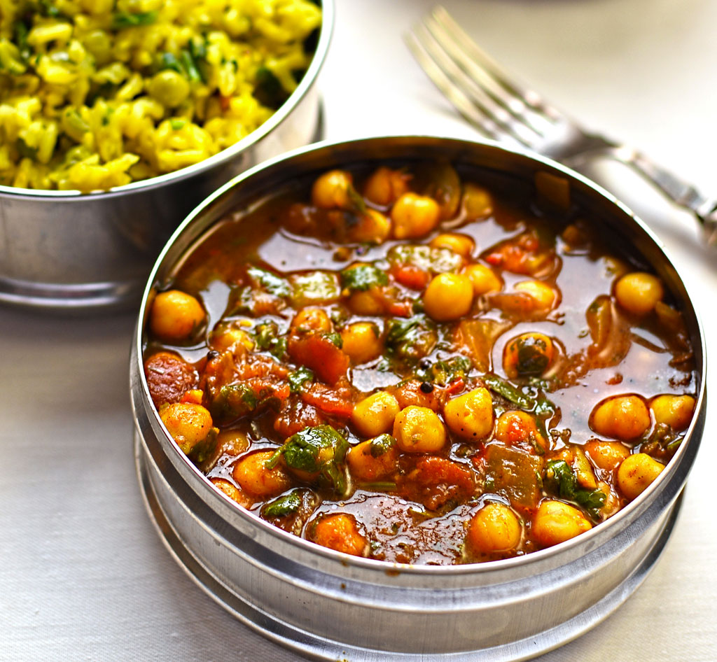 chick pea curry with green pea pilau rice