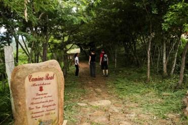 Trekking in the Camino Real, near Barichara