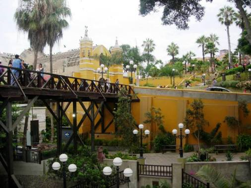A walking tour of the trendy Barranco district of Lima, Peru