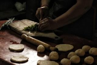 Preparing tortas fritas