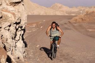 valle de la luna san pedro de atacama cycling