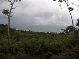 The lush coast near Marino Ballena National Park.