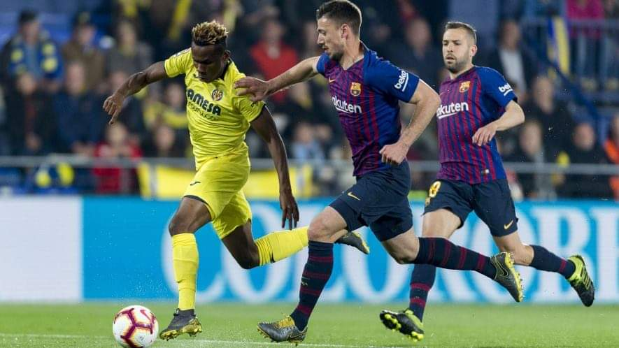 Villarreal's Samuel Chukwueze in Action Against Barcelona