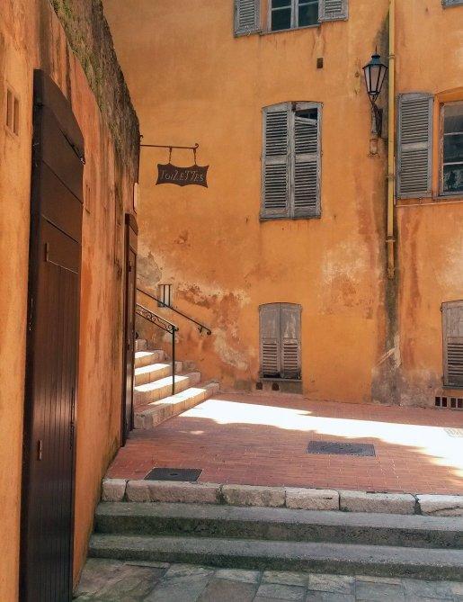 Histoire du parfum ville de Grasse
