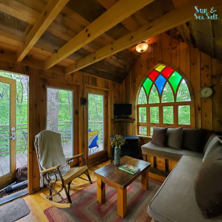 Little Red was featured on Treehouse Masters and is perfect for an overnight stay or weekend getaway for 2